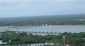640px-Kochi_City-Vembanad_Rail_Bridge_at_Vallarpadam,_is_the_longest_rail_bridge_in_India